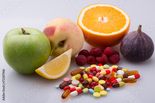 Health and pills - 73387966