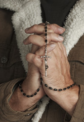 Man Prays Rosary