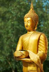 Monk statue in Wat Sri Sunthon temple