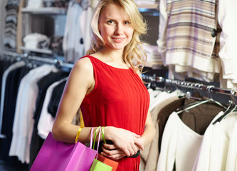 Shopper in red dress