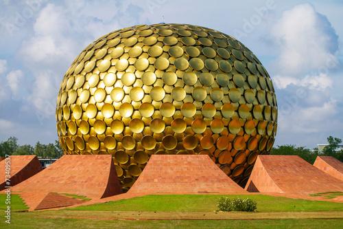Fotobehang India Matrimandir - Golden Temple in Auroville, Tamil Nadu, India