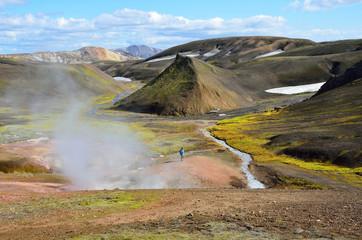 Исландия, горячие источники в горах