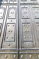 in mercallo rusty brass brown knocker door curch  closed metal