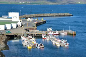 Исландия, порт в городке Дьюпивогур