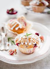 Cranberry Muffins mit Rosmarin und Walnüssen II