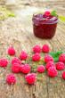 Himbeeren und Marmelade
