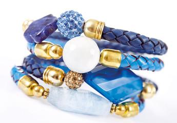 Modeschmuck – Lederarmbänder mit Edelsteinen