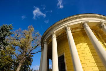 Kleiner Tempel im Schloßpark zu Eisenstadt