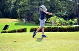 Fototapety jeune golfeur