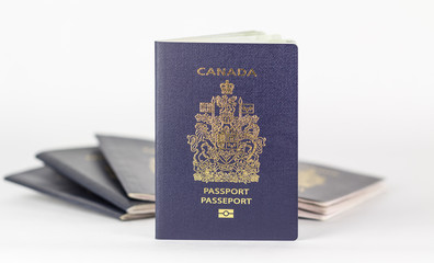 New Canadian ePassport with old