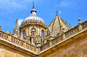 Salamanca, torre del Gallo y cúpula de la catedral nueva