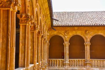 San Esteban de Salamanca, claustro de los Reyes
