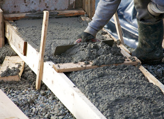 Levelling concrete footings for a house foundation