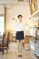 カフェ・レストラン店員