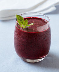 Cold smoothie with blueberries