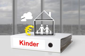 Weißer Aktenordner Kinder Geld Familie Haus