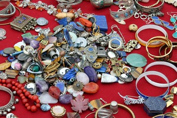 Necklaces and precious jewels vintage at the flea market
