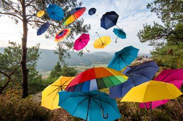 Herbstlicher Tag mit bunten Regenschirmen :)