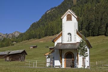 Kapelle auf der Tscheywiese in Tirol