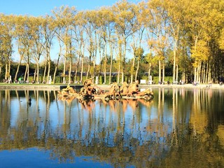 fountain of apollo autumn reflections