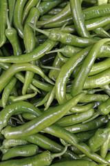 Grüne Pepperoni