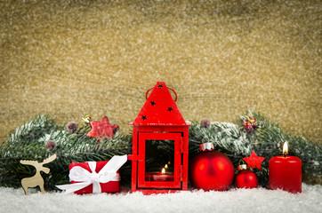 weihnachtslaterne mit dekoration