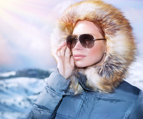 Luxury woman portrait in winter