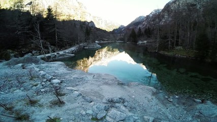 Val di Mello - Valmasino (IT) - volo radente su laghetto