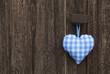 Bayern: Herz in Blau auf Holz Hintergrund zum Oktoberfest