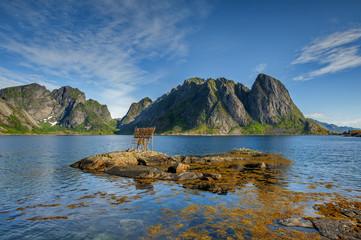 Norwegia , Lofoty,  Sakrisoy, suszenie ryb
