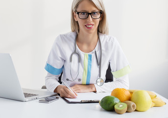 Nutritionist female doctor