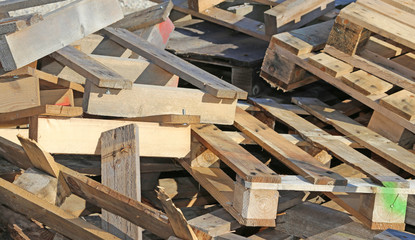 wooden pallets highly flammable