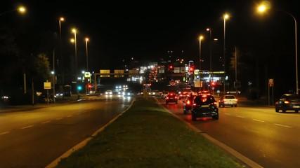 Strada notturna in time lapse; Roma