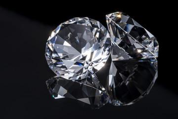 黒背景の宝石イメージ