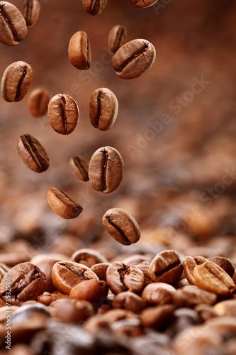 fallende Kaffeebohnen Poster