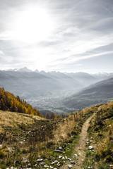 Sentiero di montagna in autunno