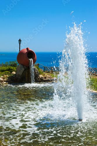 Foto op Plexiglas Fontaine Fountain at beach