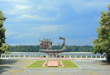 Famous monument to the mythical founders of Kiev