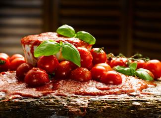 salsa di pomodoro e basilico