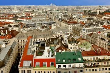 Wien von oben: vom Stephansdom richtung Karlskirche