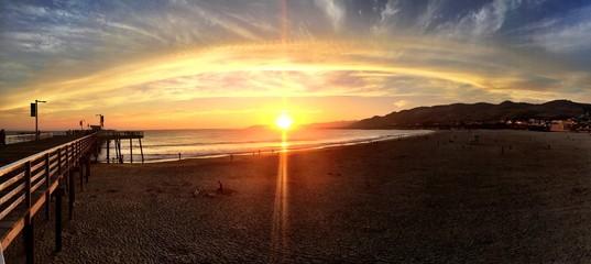 Sonnenuntergang am Pier in Pismo