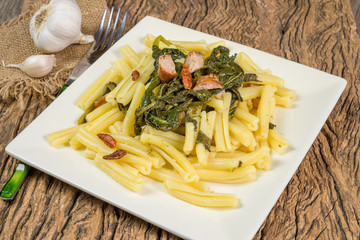 pasta broccoli and sausages