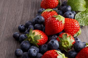 いちごとブルーベリー Strawberries and blueberries