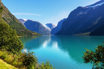 Fototapeta turkusowe jezioro górskie
