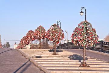 Moscow. Luzhkov is a bridge