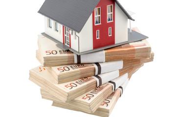 Haus auf Euro Geldscheinen