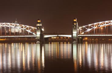 Большеохтинский мост ночью. Санкт-Петербург.