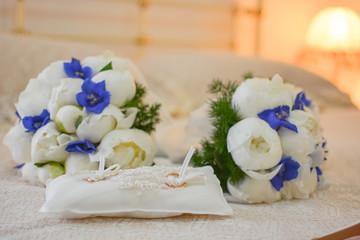 Fedi nuziali e buchet sposa per matrimonio
