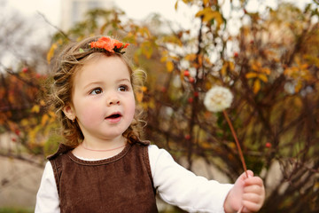 fashion toddler girl in fall