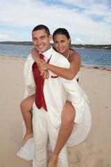 Il l'a porte sur la plage